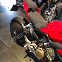 Ducati Panigale V4 / V4S / V4R carbon fiber rear wheel cover (Strauss Line)